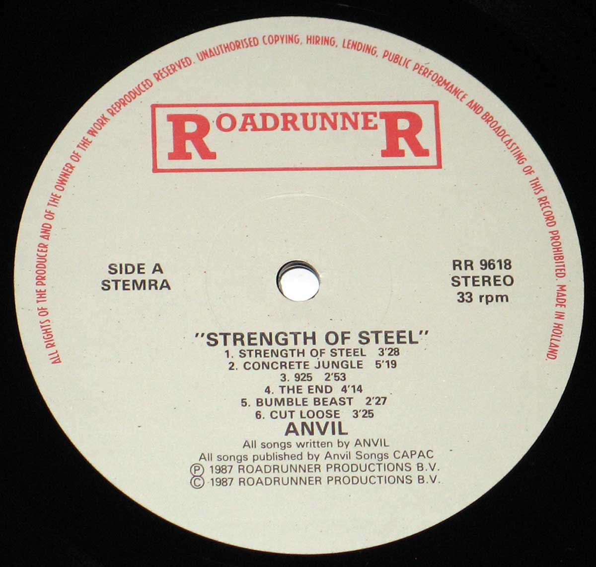 High Resolution Photo of the enlarged label Anvil - Strength of Steel https://vinyl-records.nl