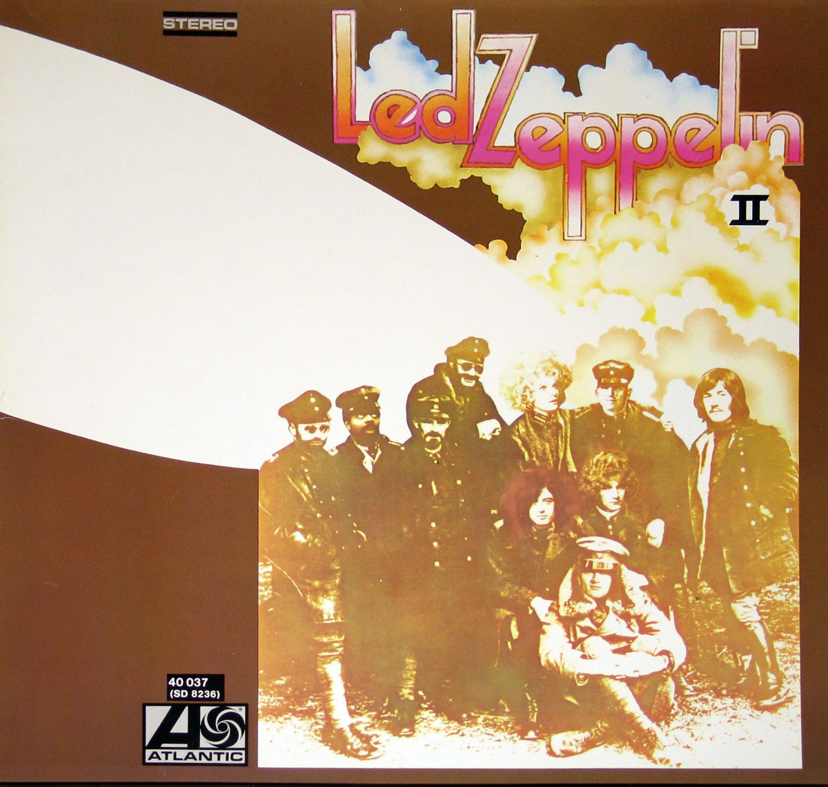 High Resolution Photo of Led Zeppelin II LP