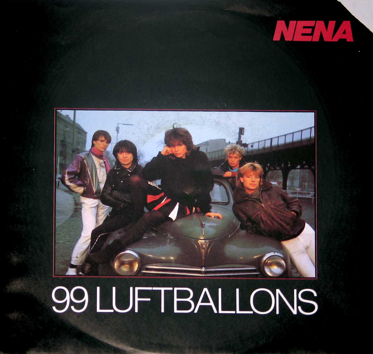 large photo of the album front cover of: NENA 99 Luftballons / Ich Bleib Im Bett
