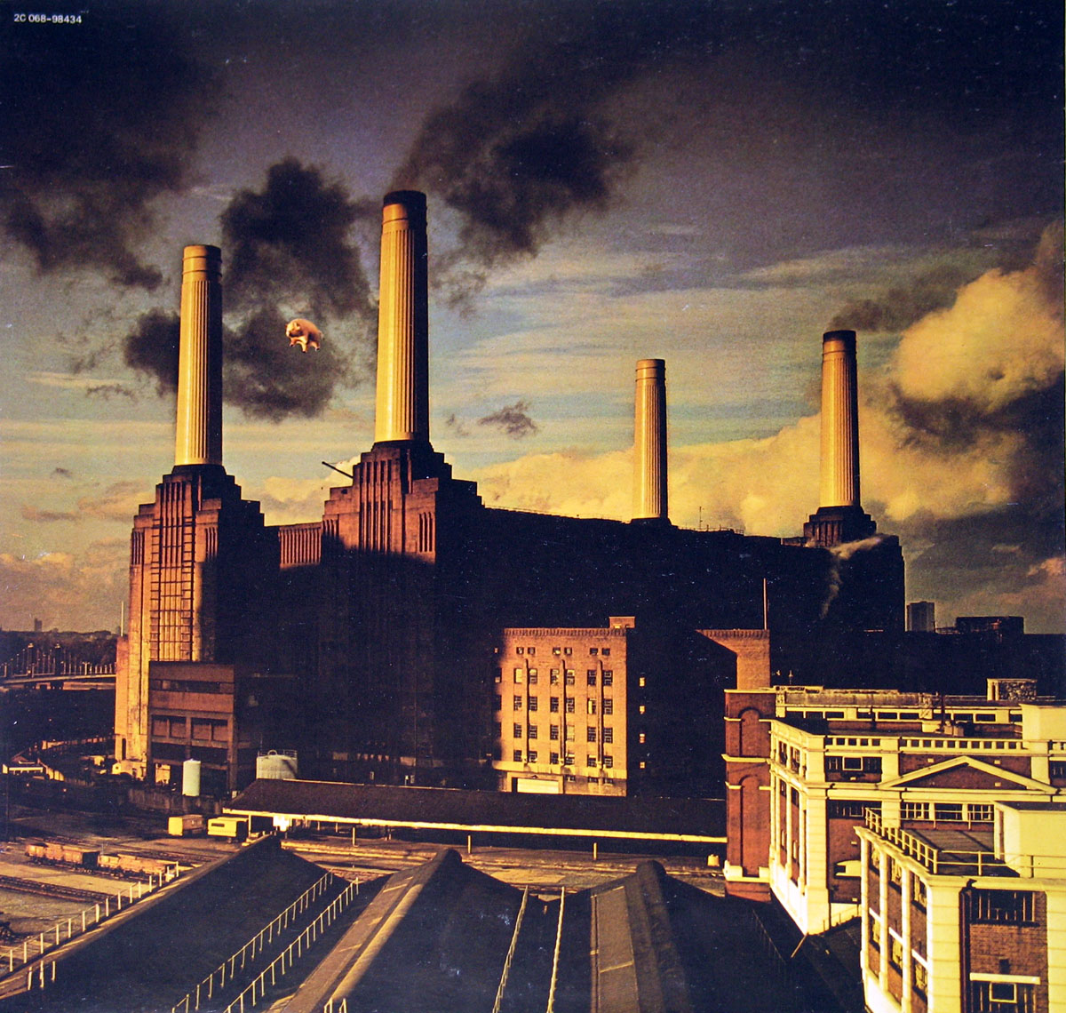 High Resolution Photo #1 Pink Floyd Animals France