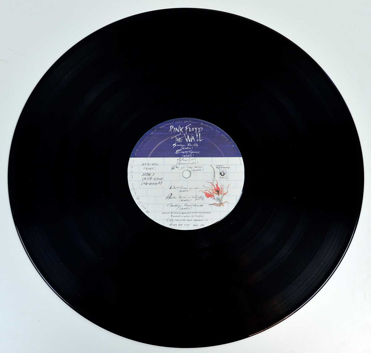 Photo of record 1   of PINK FLOYD - The Wall ( The Netherlands )