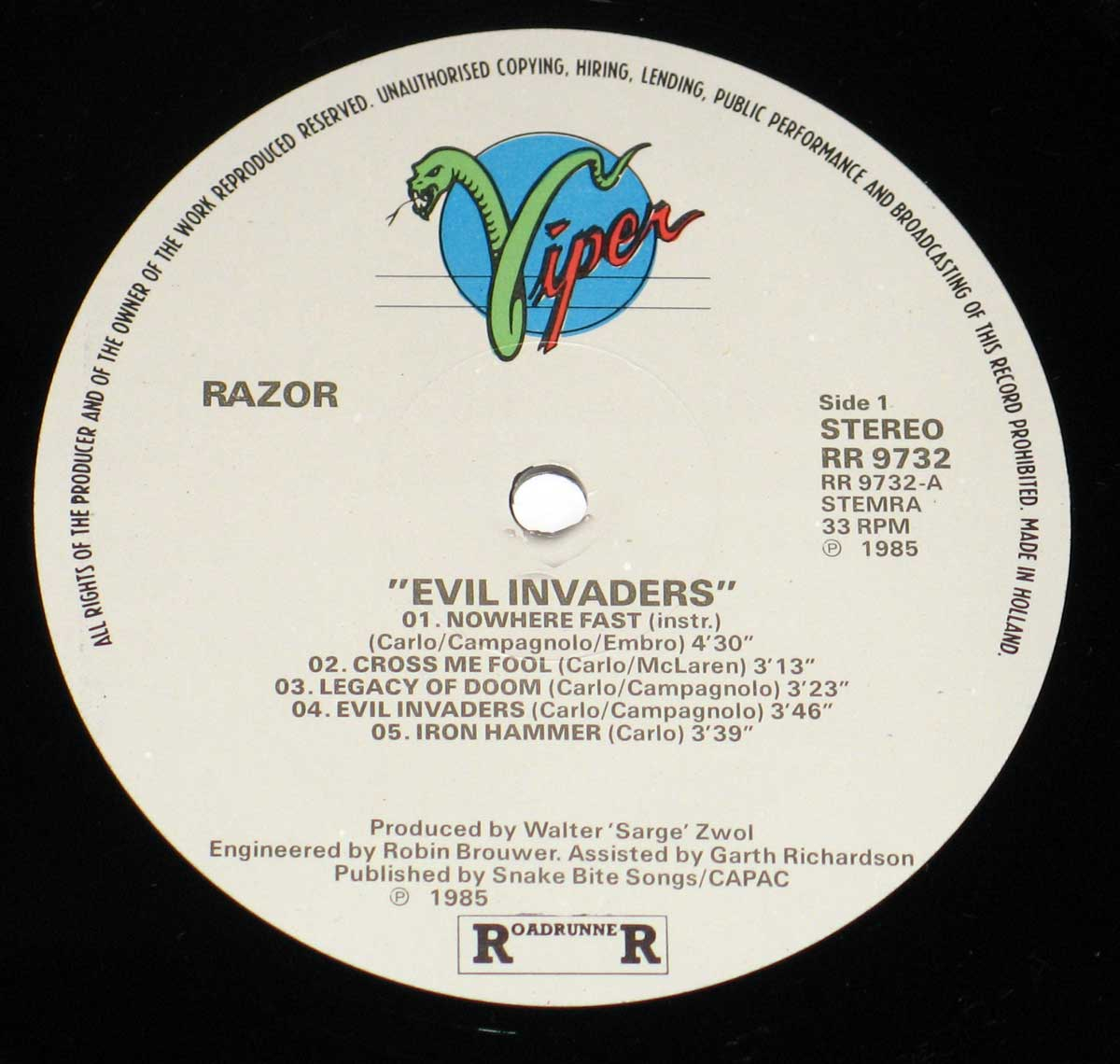 Enlarged High Resolution Photo of the Record's label RAZOR - Evil Invaders https://vinyl-records.nl